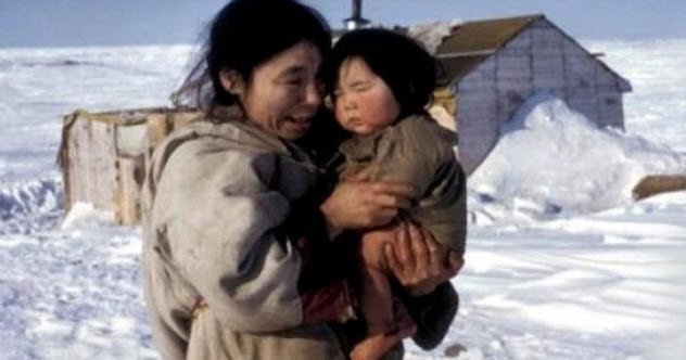 A traditional Nunavut mother and child