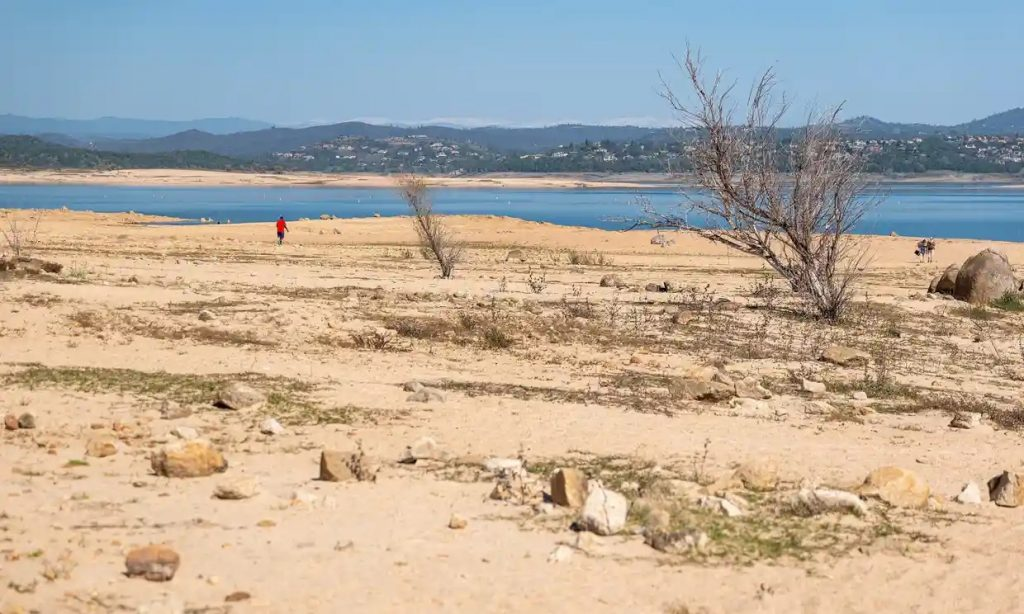 A-dried-lake-bed-at-Folsom-Lake-in-Folsom-California-near-Sacramento.  California is currently experiencing the driest year in 40 years.  Warming has complex consequences that are often not obvious.